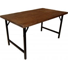 Esstisch mit schönen Holz