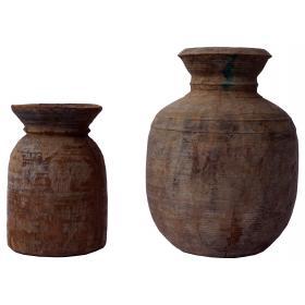 Krásne staré drevené nádoby