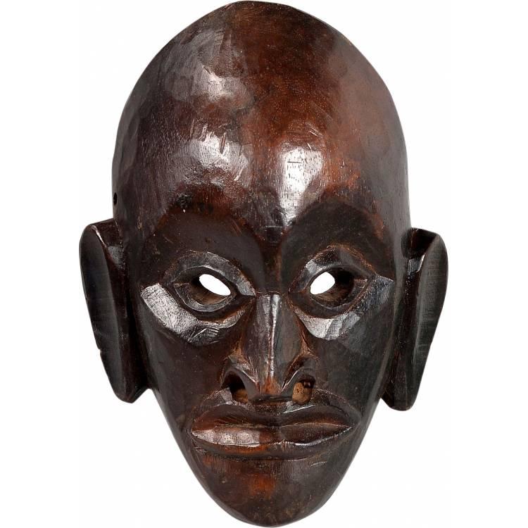 Drevená maska