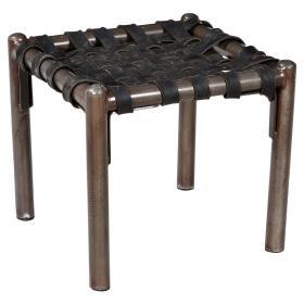 Stolička s čiernym gumovým sedadlom a základňa s jasnou práškovou farbou
