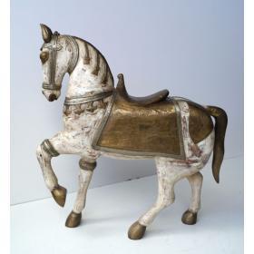 Drevená  socha koňa