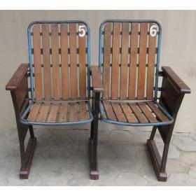 Kinobank mit 2 Holzsitzen