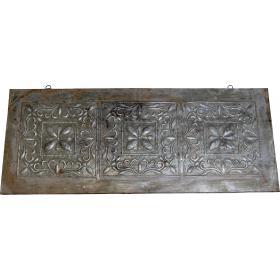 Starožitná stropná dekorácia