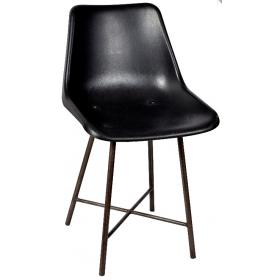 Chair in iron fitted with a plastic seat