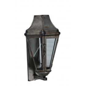 Kovový svietnik v tvare lampáša