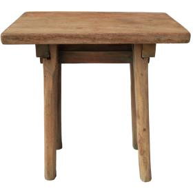Pekná jednoduchá stolička...