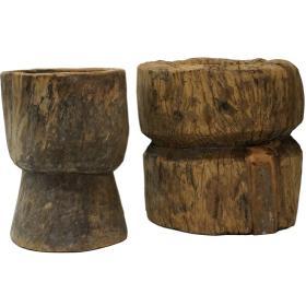 Starý drevený podstavec