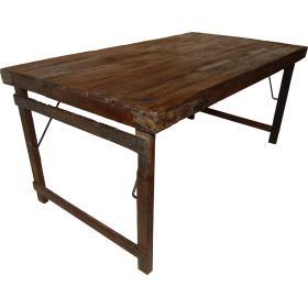 Chladný jedálenský stôl...