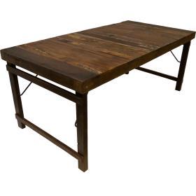 Báječný starý jedálenský stôl