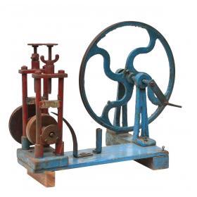 Starý priemyselný stroj