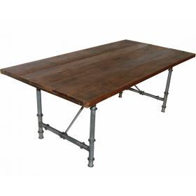 Krásny veľký jedálenský stôl