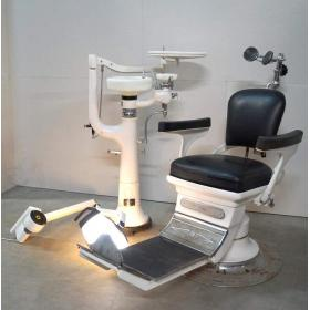 Staré zubárske kreslo