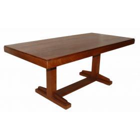 Veľký drevený jedálenský stôl