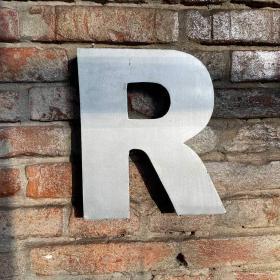 Kovové písmeno - R