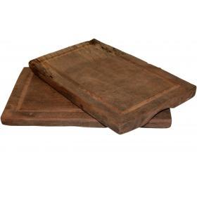 Pekný podnos z recyklovaného dreva
